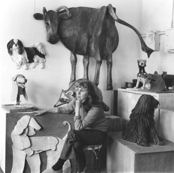 Anne Arnold in ihrem New Yorker Atelier, um 1971 © Alexandre Gallery