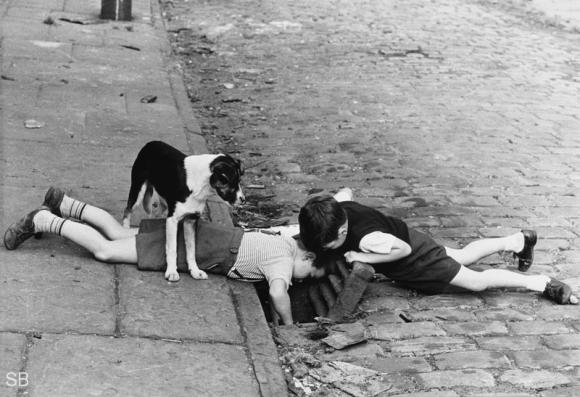 People and Dogs © Shirley Baker, 1963