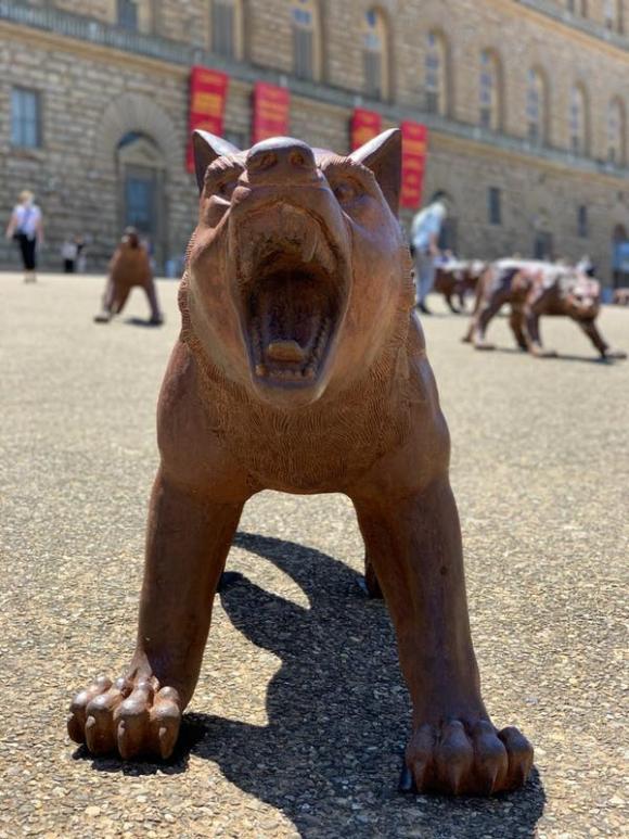 Die Wölfe kommen © Liu Ruowang, Foto Uffizien