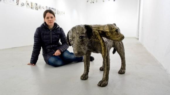 Ausstellungsansicht mit Tanja Fender, Foto: Peter Hinz-Rosin