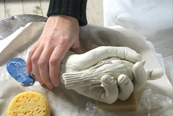 In the hand © Kate MacDowell, 2007