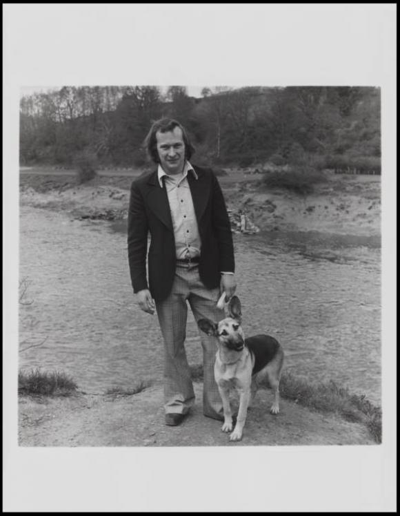 Keith Arnatt, Walking the Dog  1976-79, © The estate of Keith Arnatt