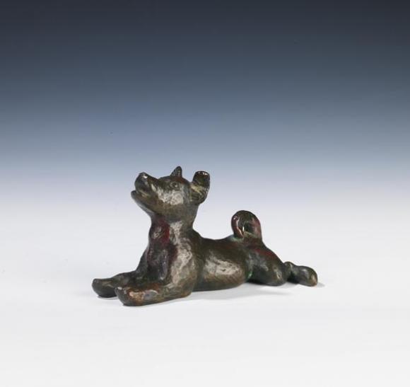 Renée Sintenis, Junger liegender Hund, 1935