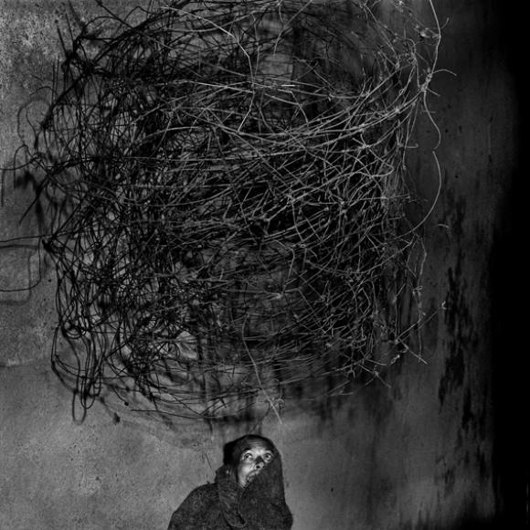 Twirling wires, 2001 © Roger Ballen