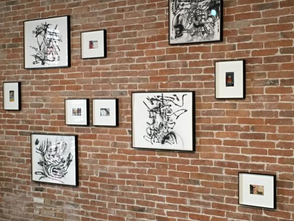 Installationsansicht Tacita Dean und Julie Merhetu, Foto Petra Hartl